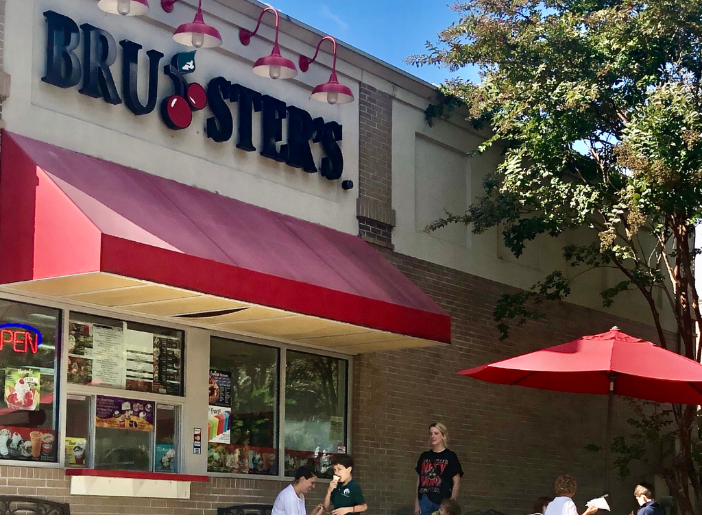 The Bruster's Ice Cream parlor employs 16 and has a reported revenue for 2020 of $302,275, but On October 12, 2020, the Peachtree City Planning Commission unanimously approved the plans for the Popeye's restaurant that will replace the beloved Bruster's Ice Cream at 103 Lexington Circle.